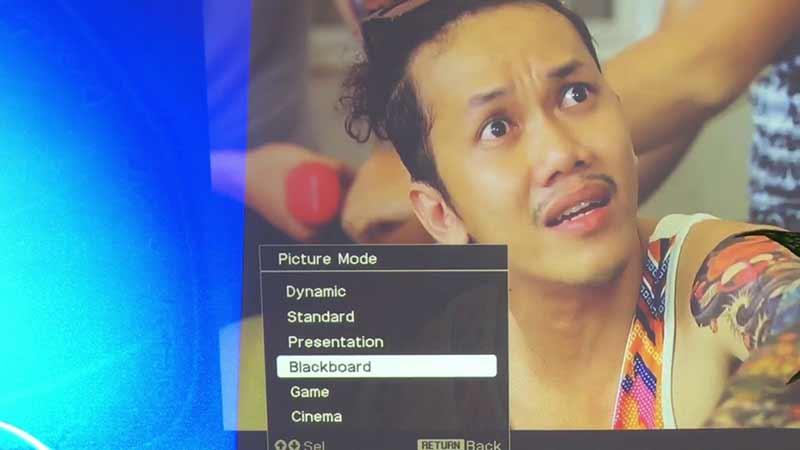 Lỗi máy chiếu Sony bị nhòe và Cách khắc phục lỗi LCD