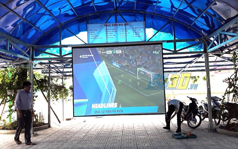 Lắp máy chiếu bóng đá màn hình 150inch tại Hà Nội