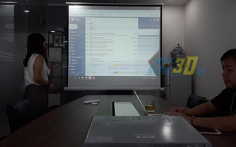 Thuê máy chiếu phục vụ nhu cầu hội họp và thuyết trình văn phòng