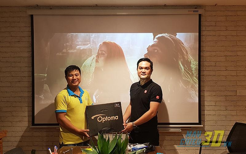 VNPC lắp đặt hoàn thiện bộ máy chiếu cho văn phòng công ty tại Hà Nội